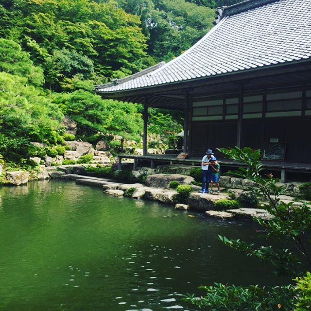 #松茸あります#百済寺今日から9月がはじまりましたね。夏休みの最後の日曜日は近くのお寺、百済寺へ行きました。これも宿題の一つでした。毎年恒例、夏休み最終日に焦る親子です。#夏休みの宿題#東近江市の宝物探し#湖東三山