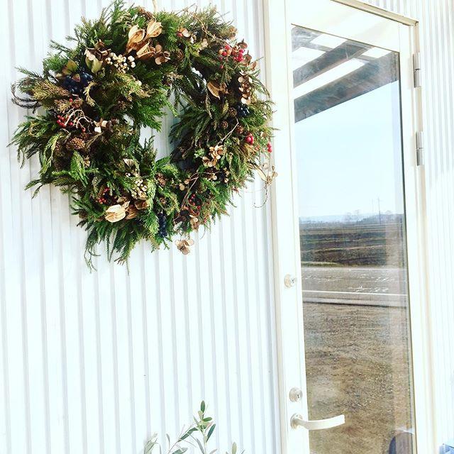 #クリスマス冬休みも始まって子供達が朝からにやにや、ケラケラ笑ってばかり。#wreathe#メデルガーデン#光葉園