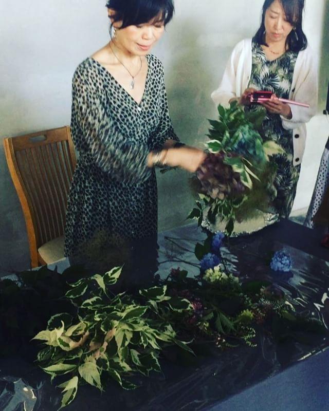 #アキイロあじさい神田むつみ先生のアキイロあじさいレッスン♡アキイロ紫陽花の育て方から、アキイロ紫陽花を使ったブーケの作り方からetc!人生が変わるレッスンでした♡♡♡ #ローザンベリー多和田#アトリエフェフェ#レッスン#ブーケ