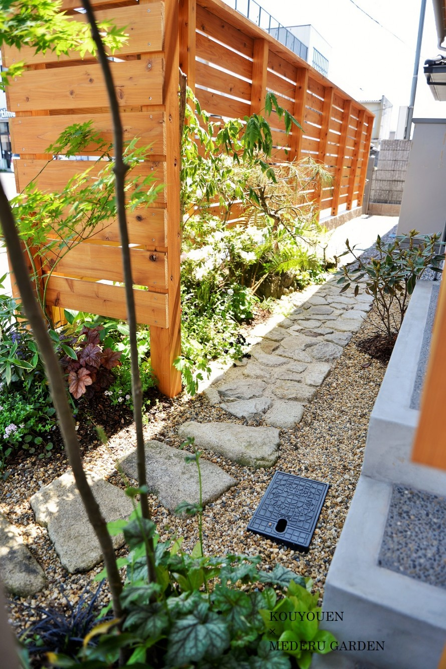 玄関脇の小さな癒し空間|坪庭|東近江市|滋賀・東近江 ...