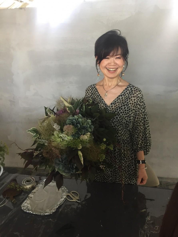 アキイロ紫陽花のブーケと神田先生